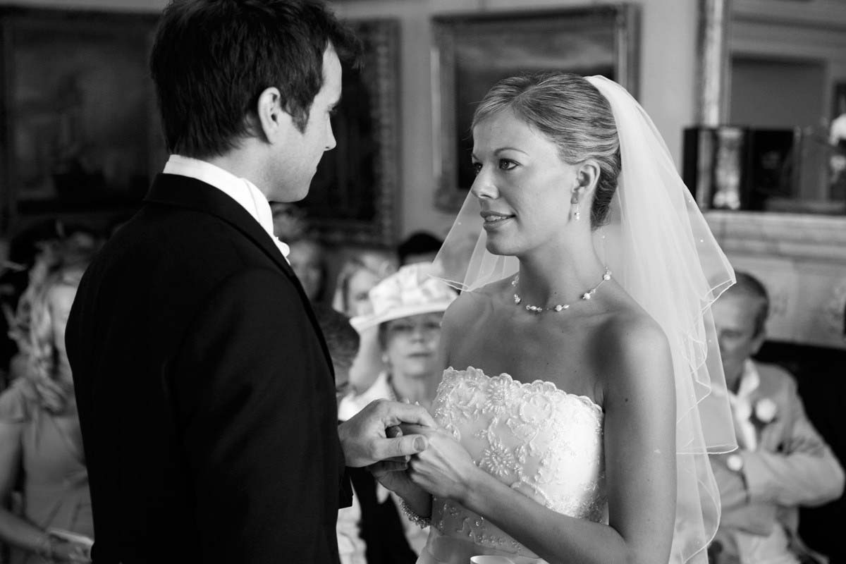 3c81fc87dc5445501b87829b899ab3a7 Wedding at Maunsel House - Lucy & Oliver