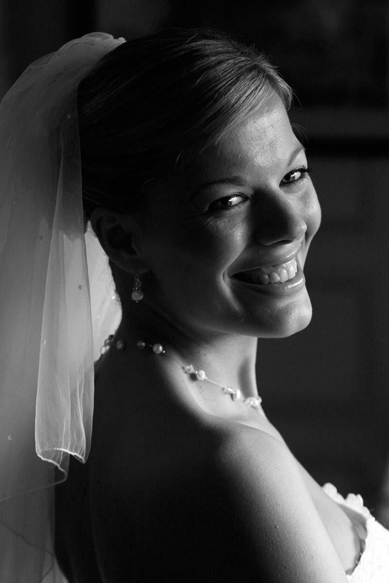 8dbbe92e6f69241815dd00b108e880e0 Wedding at Maunsel House - Lucy & Oliver